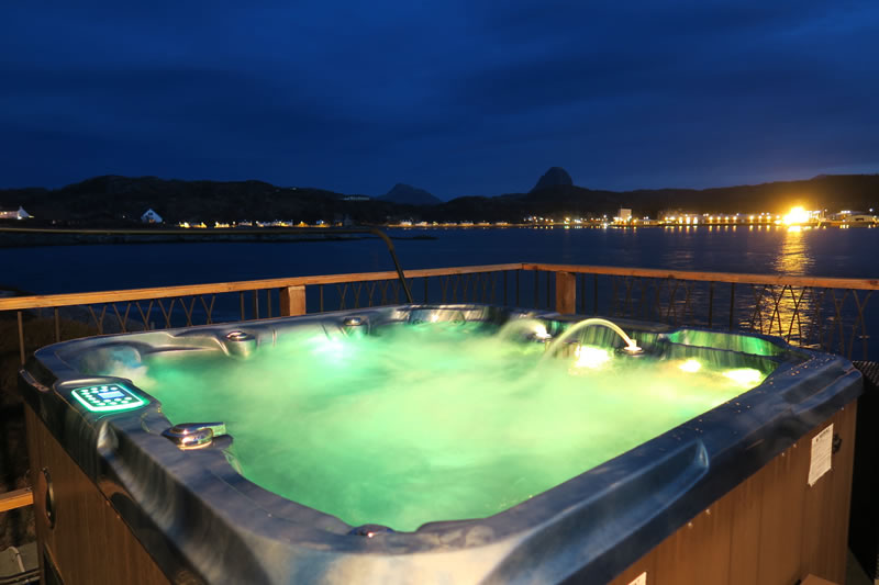 Saorsa self catering lodge Hot Tub